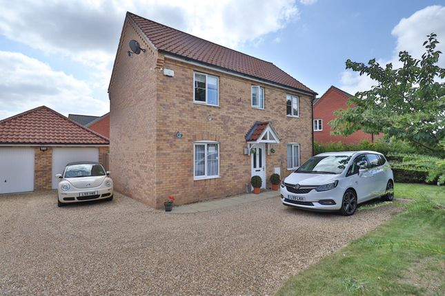 4 bed detached house for sale in Roydon Road, Roydon, Diss IP22