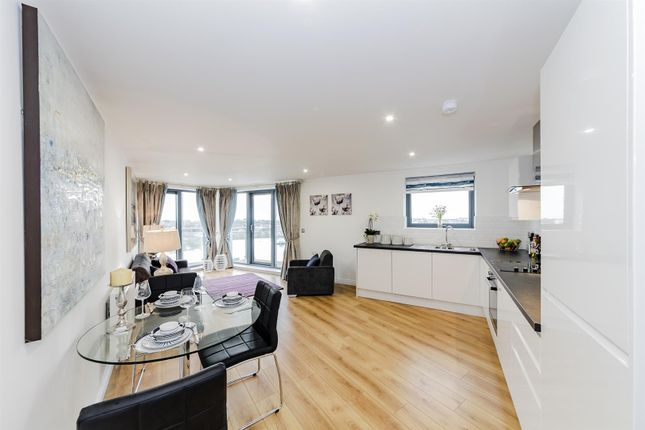 Thumbnail Flat to rent in Brighton Road, Shoreham-By-Sea