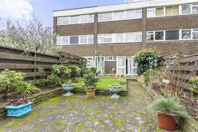 3 bed town house for sale in The Knoll, London