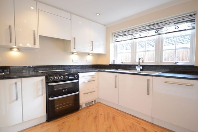 Thumbnail Bungalow to rent in Ribstone Road, Maidenhead