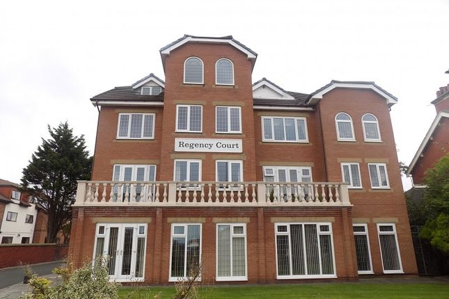 2 bed flat to rent in Newton Drive, Blackpool FY3