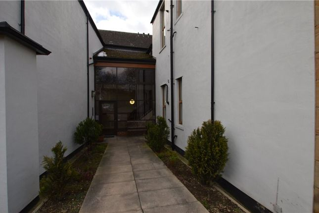 Picture No. 12 of Sandal Hall Mews, Wakefield, West Yorkshire WF2