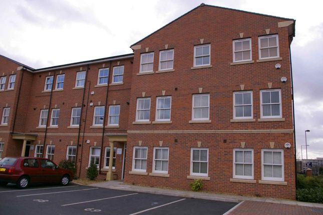 Thumbnail Flat to rent in Hatters Court, Stockport