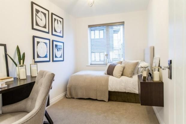2 bed flat for sale in Lower Chantry Lane, Canterbury