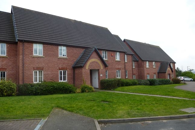 Thumbnail Flat for sale in Silverdale Drive, Chase Terrace, Burntwood