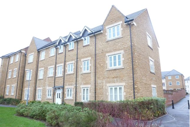 Thumbnail Flat to rent in Paulls Close, Martock, Nr Yeovil