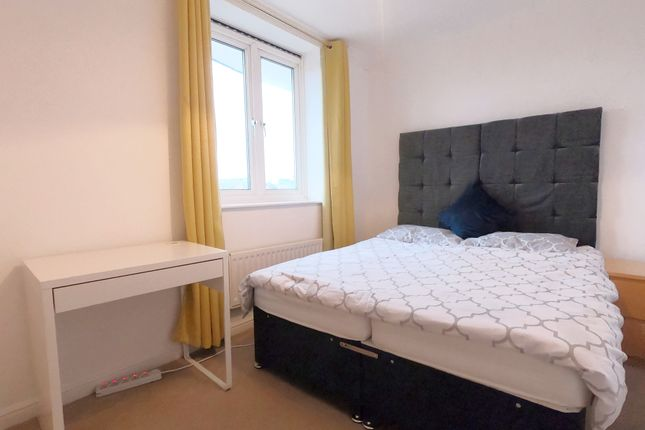 Thumbnail Shared accommodation to rent in Mariners Mews, London