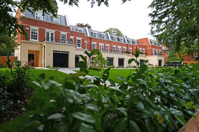 Thumbnail Town house for sale in St. Georges Avenue, Weybridge