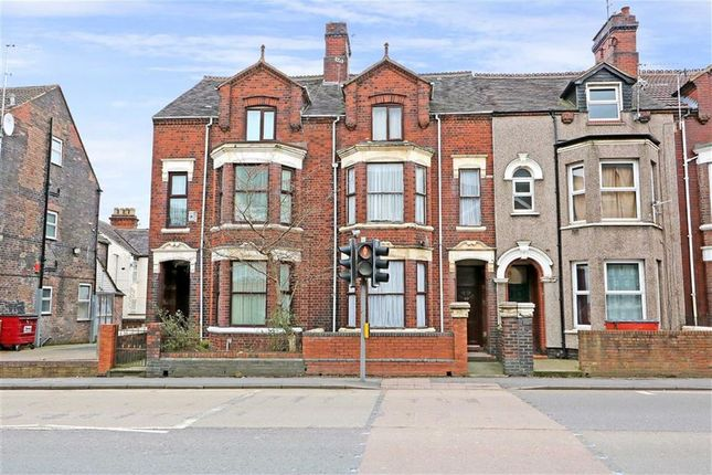 Thumbnail Town house for sale in Waterloo Road, Cobridge, Stoke-On-Trent