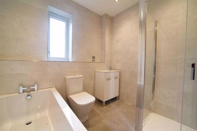 Family Bathroom of Harbidges Lane, Long Buckby, Northampton NN6
