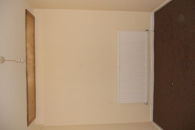 Thumbnail Flat to rent in Boyd Avenue, Southall
