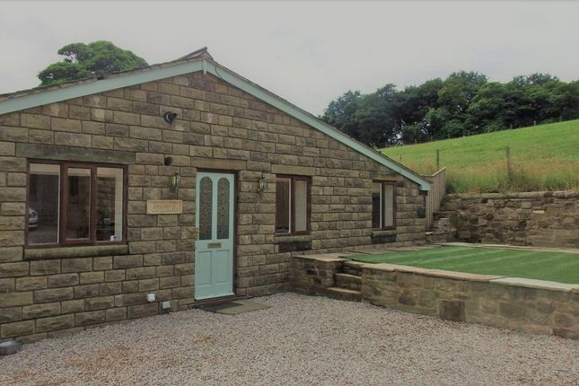 Thumbnail Cottage to rent in New Road, Anderton, Chorley