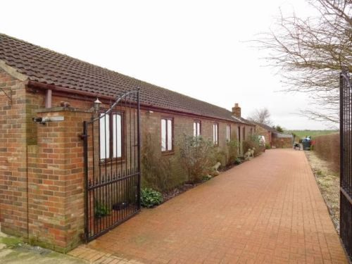 Thumbnail Leisure/hospitality for sale in Barrow-Upon-Humber, Lincolnshire