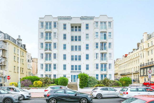 2 bed flat to rent in Kings Road, Brighton, East Sussex BN1