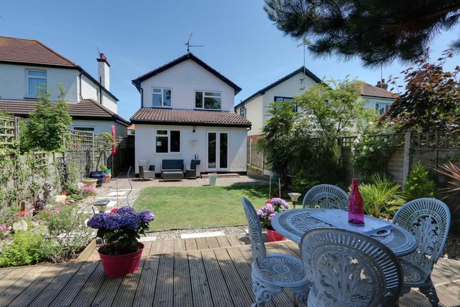 Thumbnail Link-detached house for sale in Leigh Gardens, Leigh-On-Sea