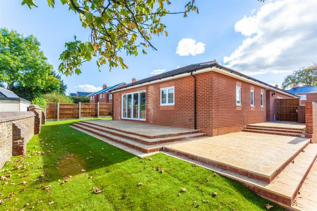 Thumbnail Bungalow for sale in Regent Way, Brentwood