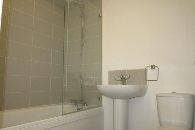 Town house to rent in Shafton Gate, Goldthorpe, Rotherham