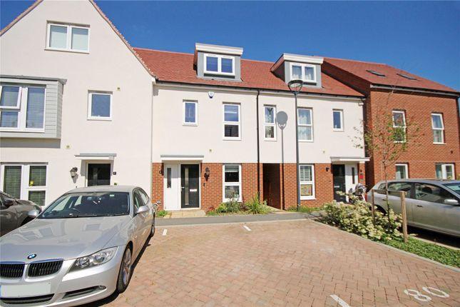 Picture No. 17 of Eilmer Close, Addlestone, Surrey KT15