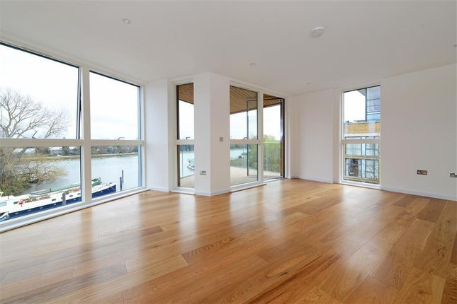 Thumbnail Flat to rent in Malt House Court, High Street, Brentford