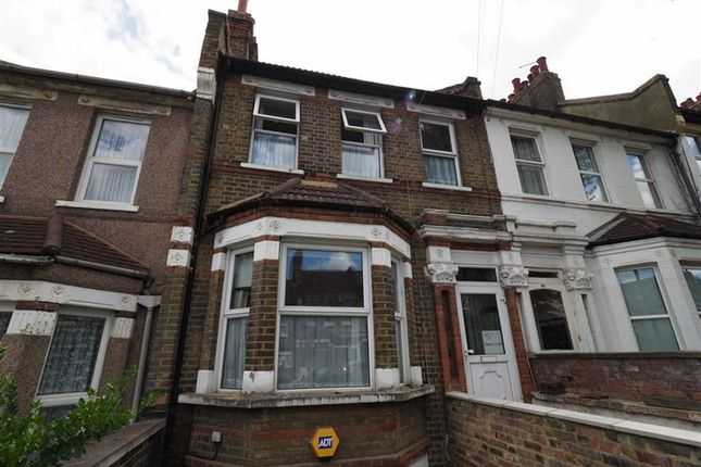 Thumbnail Maisonette for sale in Griffin Road, Plumstead, London