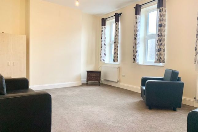 Thumbnail Flat to rent in Stroud Green Road, Finsbury Park, London