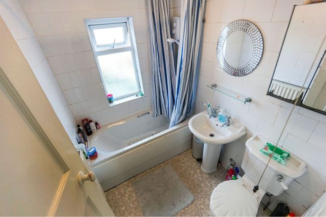 Bathroom of Old Park Road, Dudley DY1