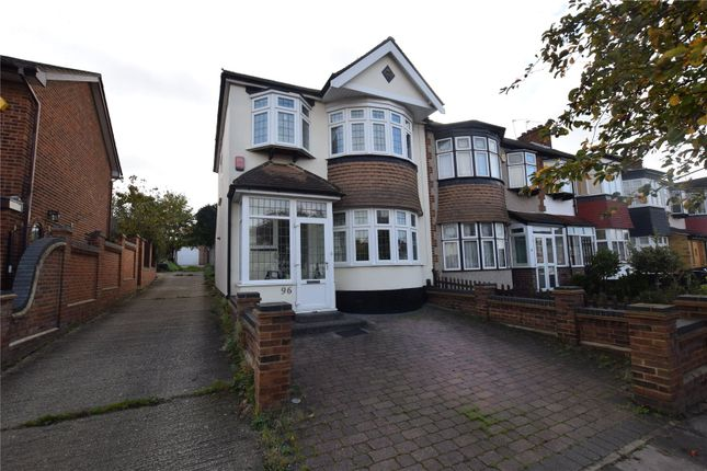 Thumbnail Flat for sale in Glenwood Drive, Gidea Park