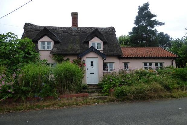 Thumbnail Cottage to rent in High Street, Rattlesden, Bury St. Edmunds