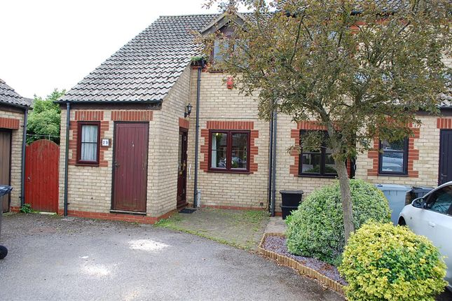 Thumbnail Terraced house to rent in Cotswold Close, Witney, Oxfordshire