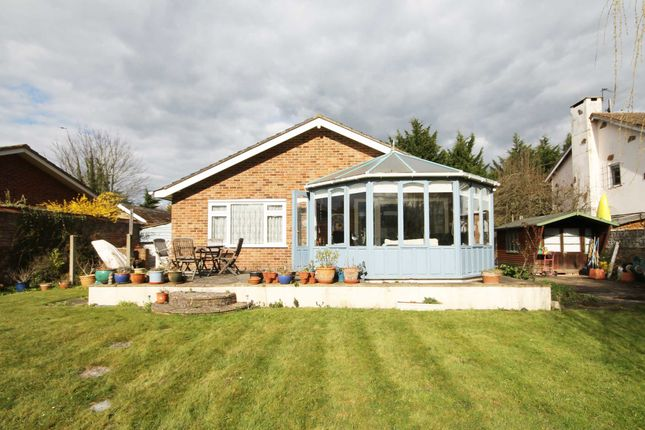 Thumbnail Property for sale in Hythe End Road, Wraysbury, Staines