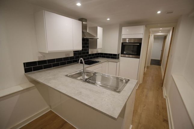 Thumbnail Flat to rent in Clarendon Road, Luton