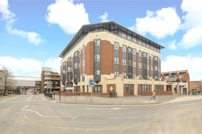 Thumbnail Flat to rent in Ringside, High Street, Bracknell, Berkshire