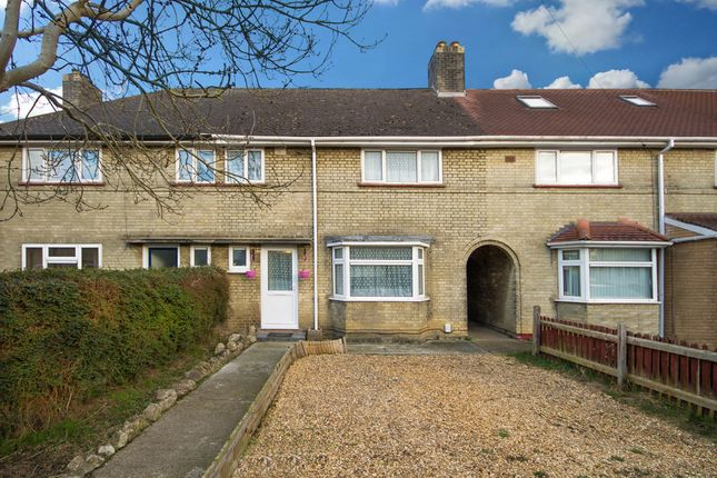 Thumbnail Terraced house for sale in Coldhams Grove, Cambridge