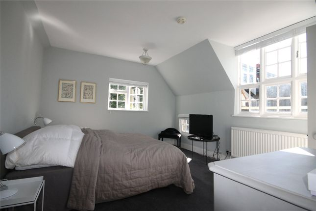 Bedroom of Southacre Drive, Cambridge CB2