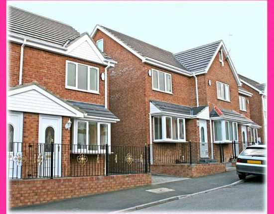 Thumbnail Semi-detached house to rent in Leven Mews, Lingdale