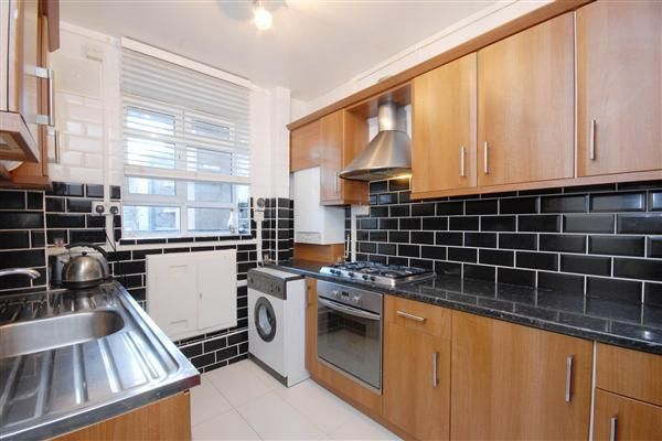 Thumbnail Flat for sale in Lorne House, Ben Jonson Road, Stepney
