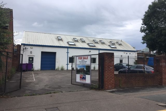 Thumbnail Warehouse to let in Off The Crescent, Watford