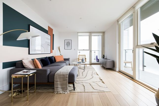 Thumbnail Flat to rent in Robsart Street, London
