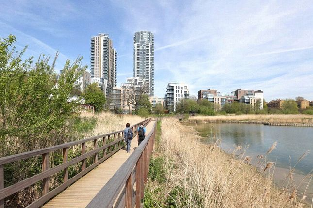 Thumbnail Flat for sale in Woodberry Down, Finsbury Park, London