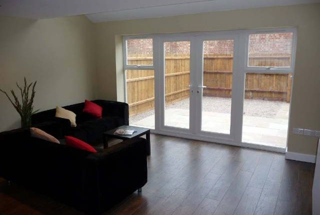 Thumbnail Property to rent in Eastleigh Road, Off Narborough Road, Leicester