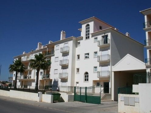 Thumbnail Apartment for sale in Albufeira, Montechoro, Albufeira, Central Algarve, Portugal