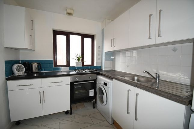 2 bed flat to rent in Apollo Place, London, Greater London. E11