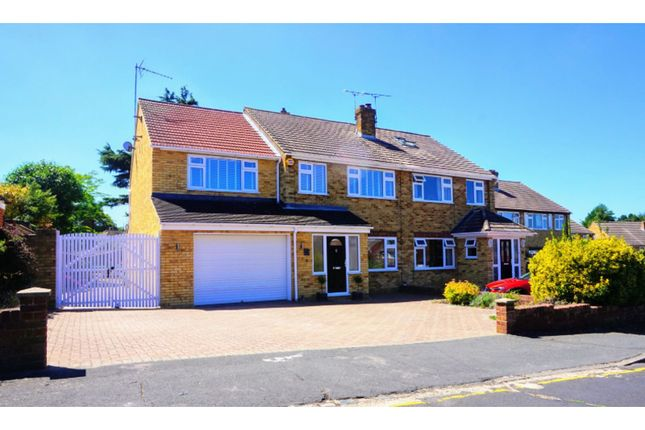 Thumbnail Semi-detached house for sale in Ediva Road, Meopham
