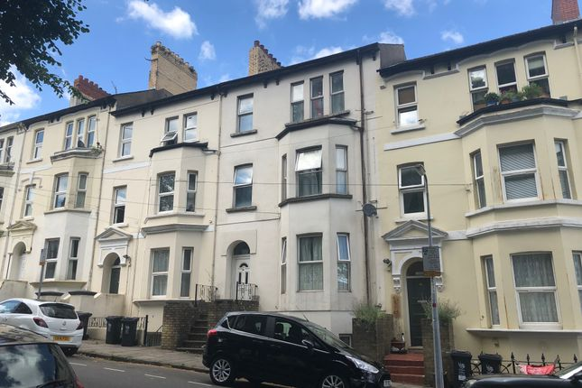 Thumbnail Flat to rent in Clytha Square, Newport