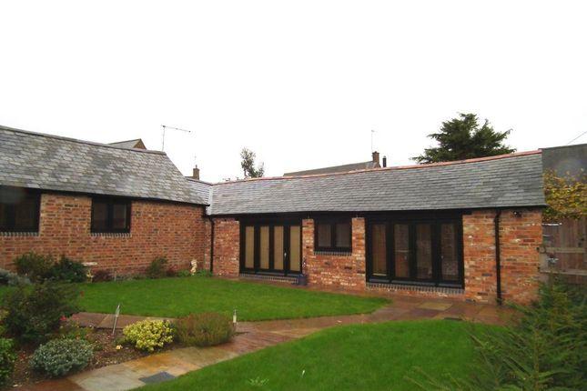 Thumbnail Bungalow to rent in Manor Road, Hanging Houghton, Northampton