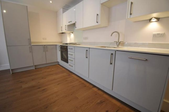Thumbnail Flat to rent in Pechiney House, The Grove, Slough