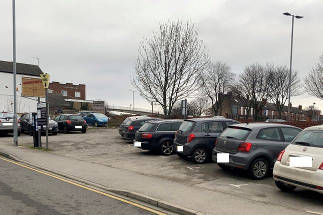 Thumbnail Parking/garage to let in Newgate, Pontefract
