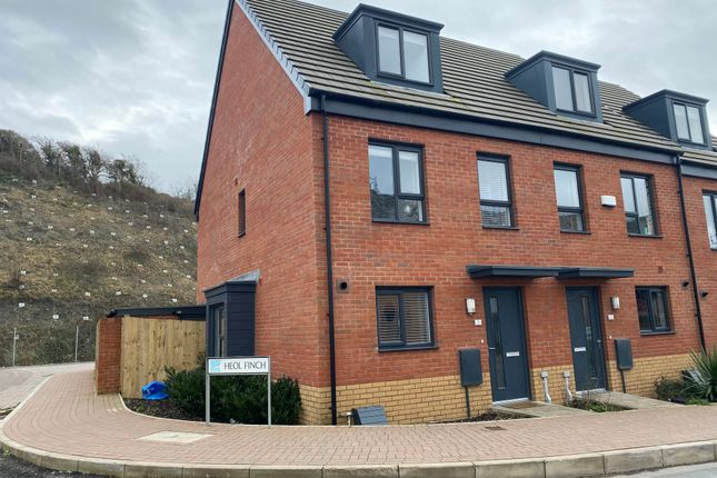 3 bed town house for sale in Ffordd Y Dociau, The Quays, Barry Waterfront, Vale Of Glamorgan CF62