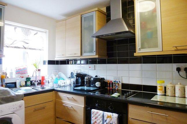 Thumbnail Property to rent in Fivash Close, Taunton