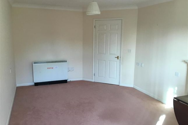 Thumbnail Flat for sale in Stockbridge Road, Chichester, West Sussex
